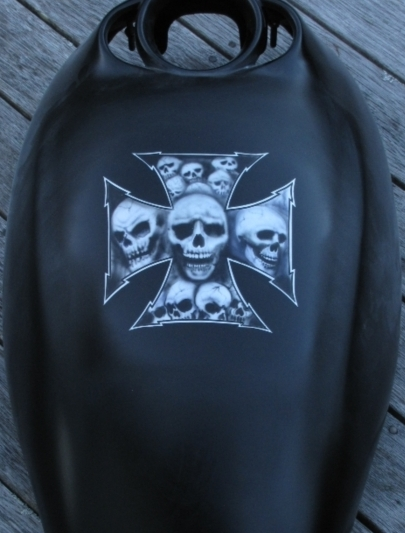 Skull Maltese cross for Rod's V Rod